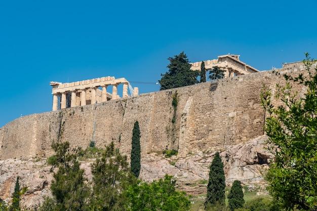 Templo do partenon na acrópole de atenas, no centro de atenas, grécia