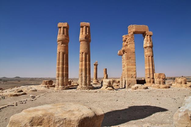 Templo egípcio antigo de tutankhamon em nubia