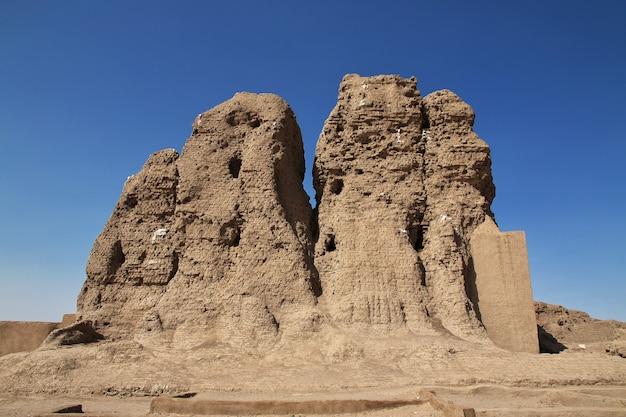 Templo egípcio antigo sesebi no sudão