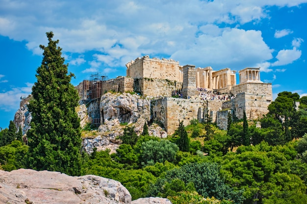 Templo icônico do partenon na acrópole de atenas, grécia