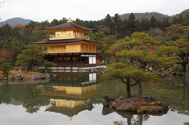 Templo kinkaku-ji, kyoto, japão
