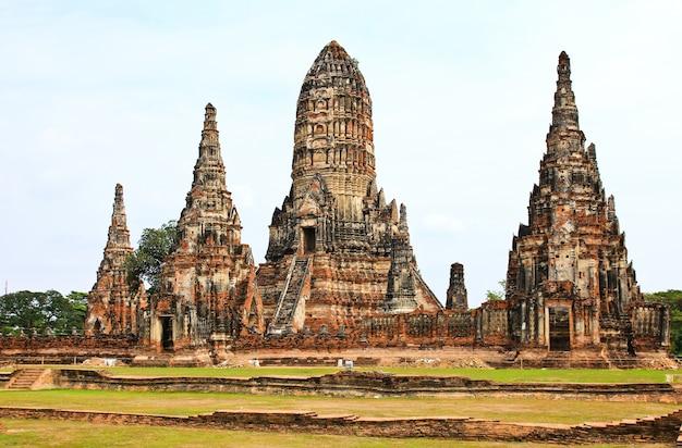 Templo wat chaiwatthanaram. parque histórico de ayutthaya, tailândia.