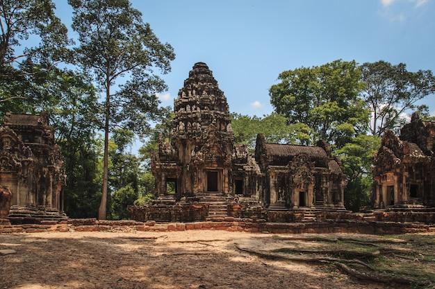 Templos antigos de angkor.