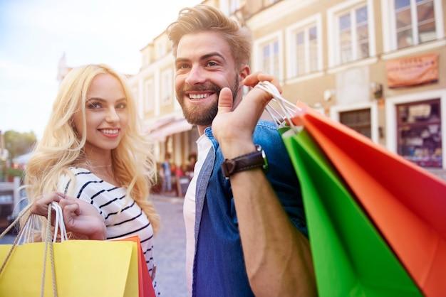 Tempo de compras com minha namorada