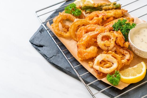 Tempura mista frita com molho