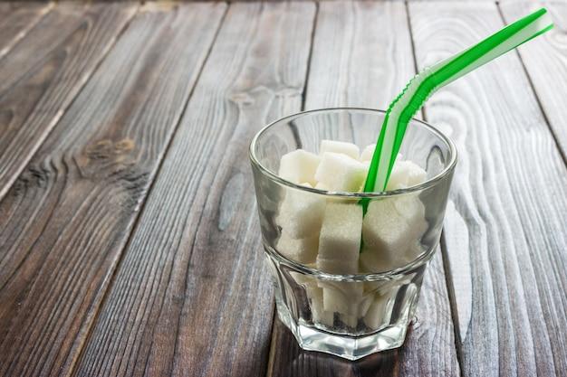 Teor de açúcar em bebidas alcoólicas.