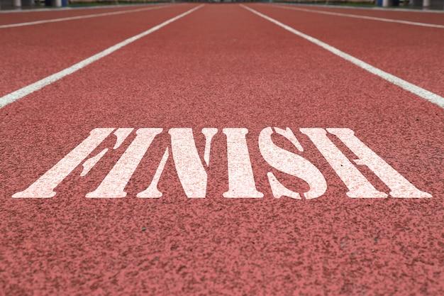 Terminar escrito na pista de corrida vermelha