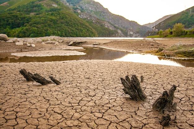 Terra seca sem água close-up conceito de aquecimento global