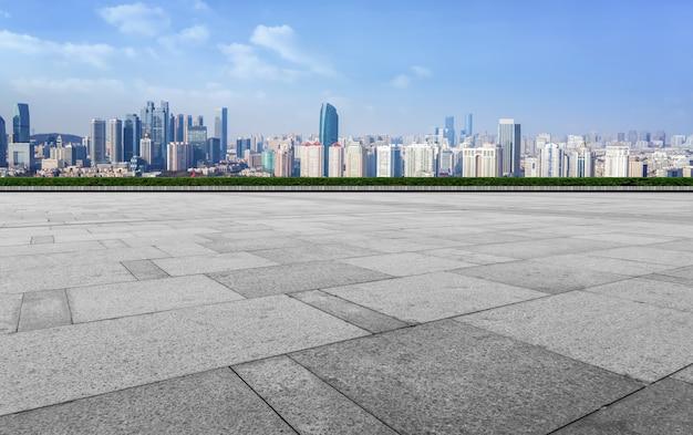 Terreno de estrada e paisagem arquitetônica urbana Foto Premium
