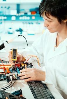 Teste de equipamentos eletrônicos