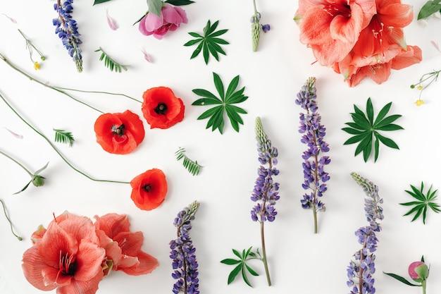 Teste padrão floral branco vista plana leiga padrão flores
