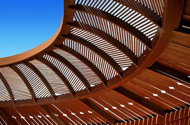 Teto de madeira de gazebo