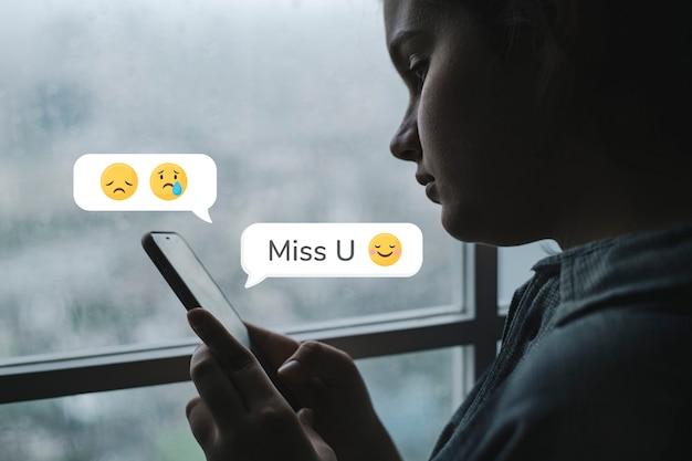Texting adolescente saudades de você