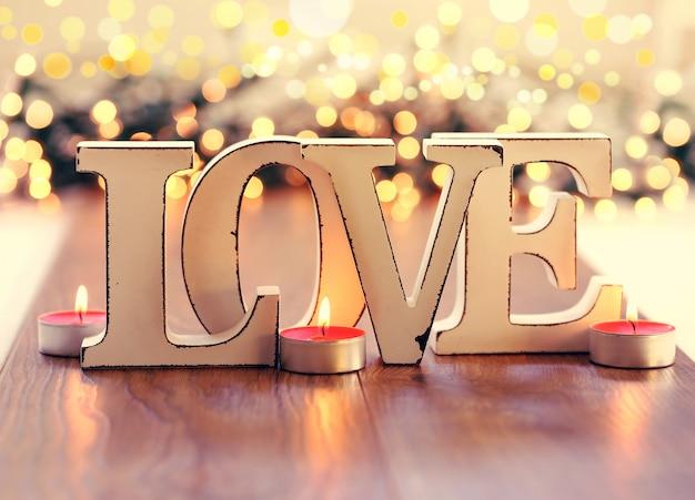 Texto de amor, letras de madeira vintage