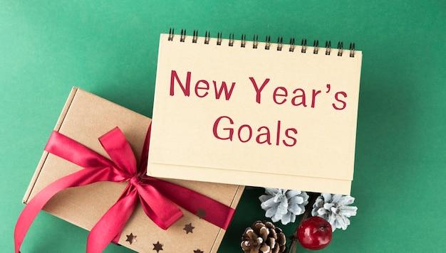 Texto de resolução de ano novo em nota adesiva