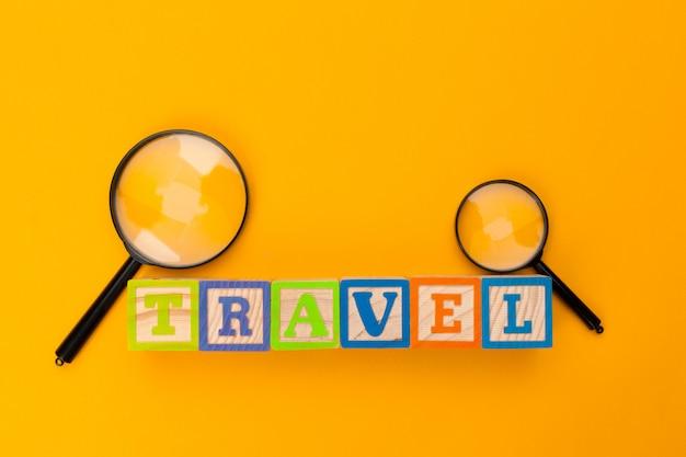 Texto em uma tabela. conceito de viagem
