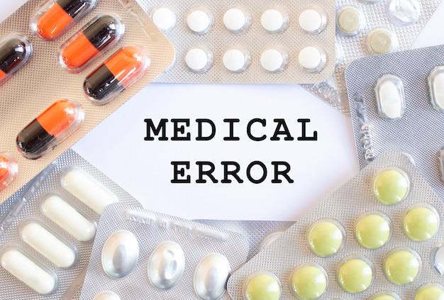 Texto erro médico com comprimidos