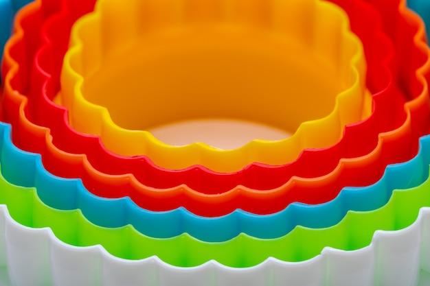Textura bonita com círculos concêntricos com as cores do arco-íris.