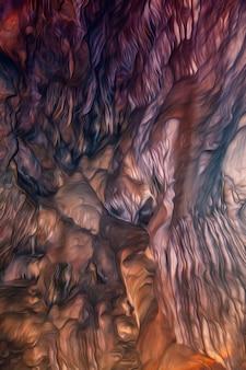 Textura colorida de caverna em processamento digital como pintura a óleo