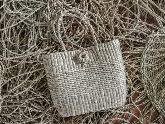 Textura de bolsa de mulher de vime