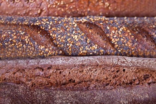 Textura de pães de centeio com cereais e sementes.