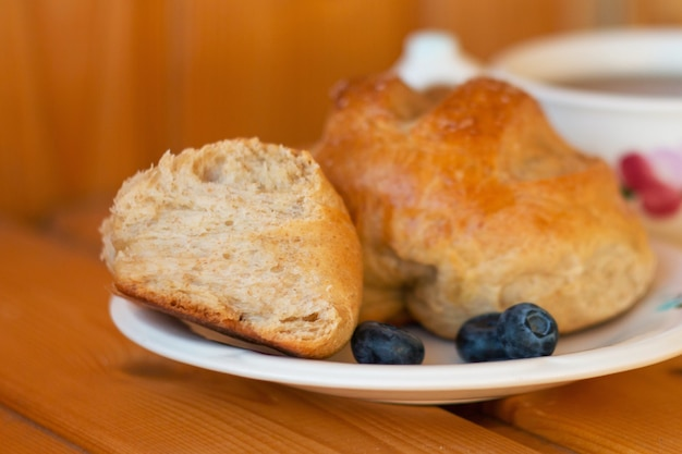Textura de pão close-up pão fresco pão de fundo closeup tiro pão integral em um prato