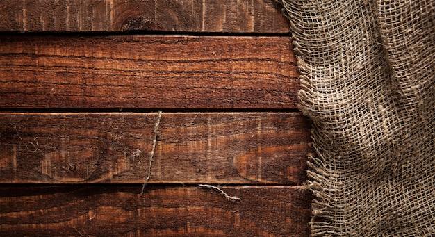 Textura de serapilheira na mesa de madeira