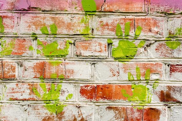 Textura de tijolos com fundo de arranhões e rachaduras