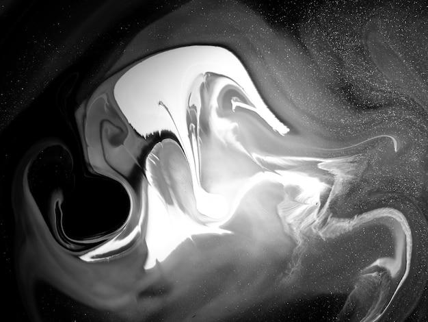 Textura de tinta acrílica preto e branco com formas orgânicas abstratas Foto Premium