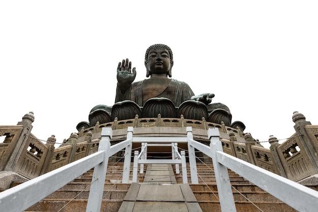 Tian bronzeado bhuddha estátua na montanha e branco fundo hong kong china