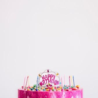 Tiara no bolo de aniversário