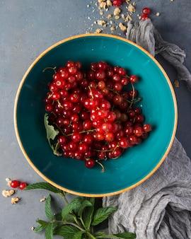Tigela cheia de frutas cranberry