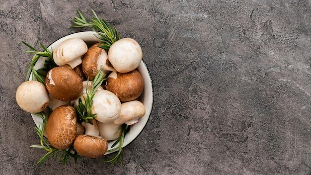 Tigela com legumes deliciosos