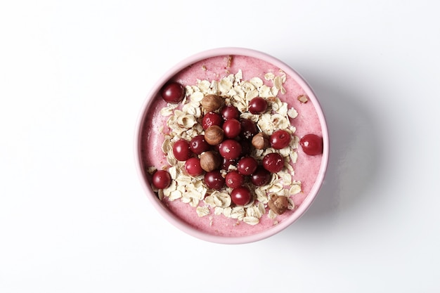 Tigela de batidos com aveia e cranberries