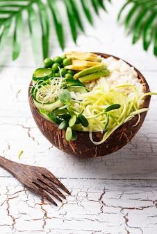 Tigela de buda vegan com legumes