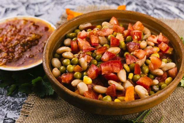 Tigela de comida mexicana tradicional