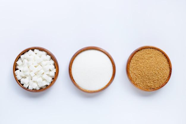 Tigela de madeira com açúcar