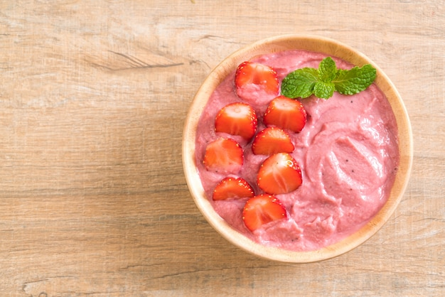 Tigela de smoothies de morango