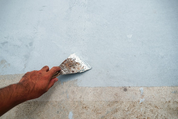 Tinta acrílica à prova d'água vedação impermeabilizante impermeabilizante em piso de cimento com espátula