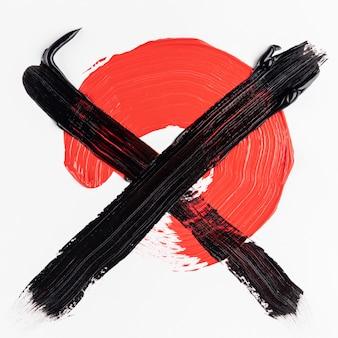 Tinta vermelha cruzada com tinta preta