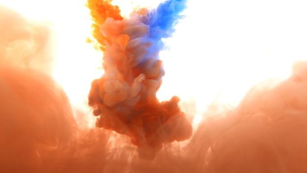 Tintas de cores misturadas em watern