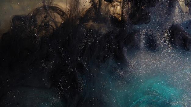 Tintas de cores misturadas na água