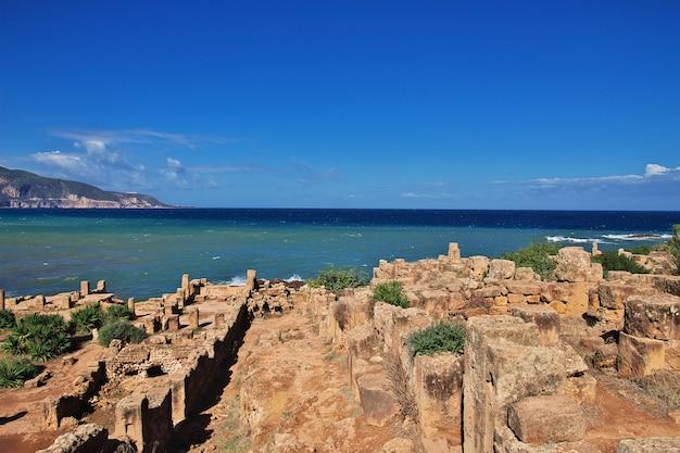 Tipaza ruínas romanas de pedra e areia na argélia, áfrica