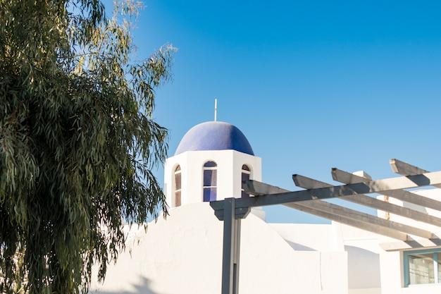 Típica igreja de santorini na grécia nas cíclades