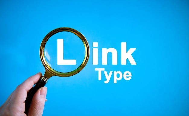 Tipo de link - texto com uma lupa em um fundo azul