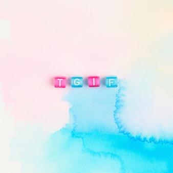 Tipografia de grânulos de letras do alfabeto tgif
