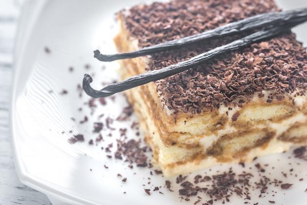 Tiramisu com cobertura de chocolate