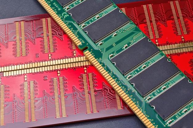Tiras multicoloridas de memória de acesso aleatório