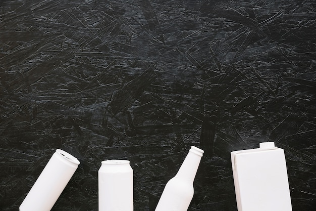 Tiro de quadro completo de fundo preto áspero