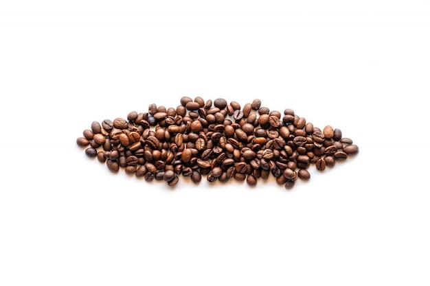 Tiro do estúdio, feijão de café isolado Foto Premium